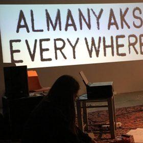 DEUTSCHSTUNDE /// Lecture Performance von und mit Tuğba und Tunay Önder, migrantenstadl